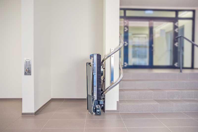 Stratos - Ανυψωτική πλατφόρμα ΑΜΕΑ για περιστροφικές σκάλες
